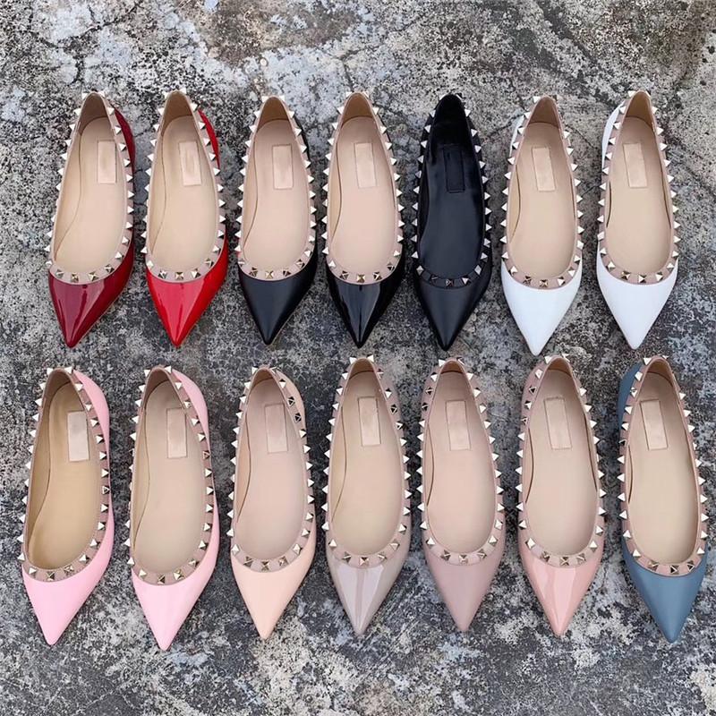 2020 zapatos de lujo de alta Stud sandalias acentuadas atractivas de los altos talones calientes venta de los zapatos de diseño-moda desnuda boda Remaches bombas de las mujeres de San Valentín