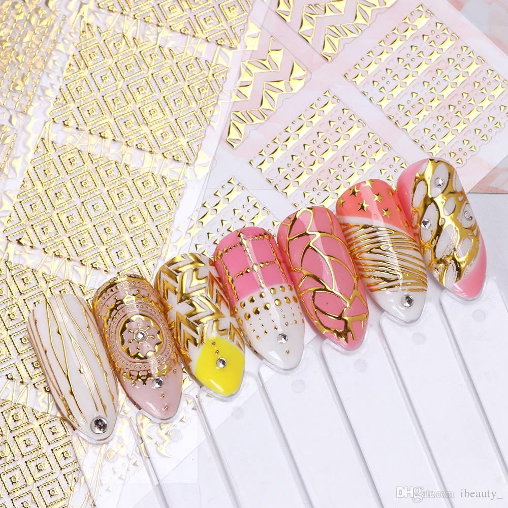Adesivi dorati per unghie artistiche 3D Striscie geometriche per il disegno di linee Steli Cursori per unghie Decalcomania per manicure