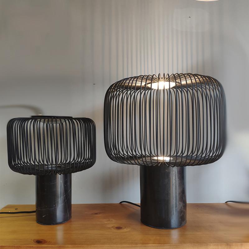 الشمال مصباح طاولة الرخام الحد الأدنى تصميم عصري الحديد الطلاء الأسود قفص فن الإضاءة LED لغرفة المعيشة مصباح مكتبي الديكور