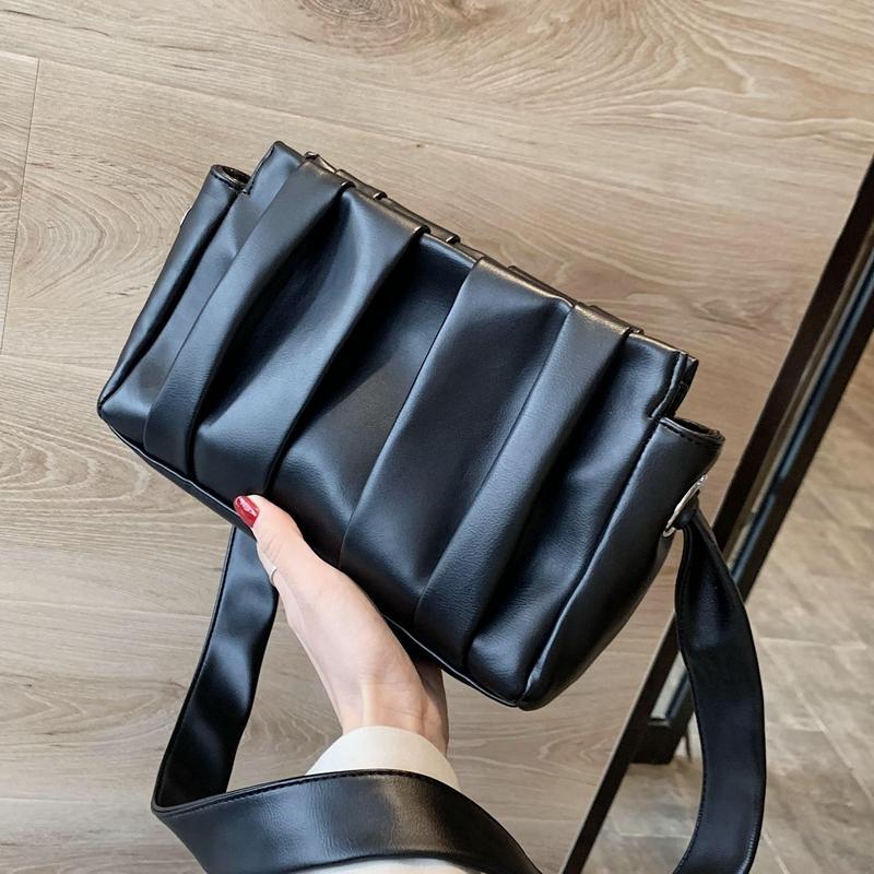 Плиссированные Женщины сумка плеча 2019 новые зимние издание Персонализированные сумки высокого качества сумка с плечевым ремнем заузленной