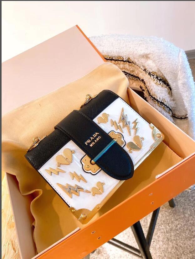 패션 여성 가방 2020 새로운 여성 펑크 스타일의 금속 조각 메신저 가방 여성 간단한 지갑 휴대 전화 가방