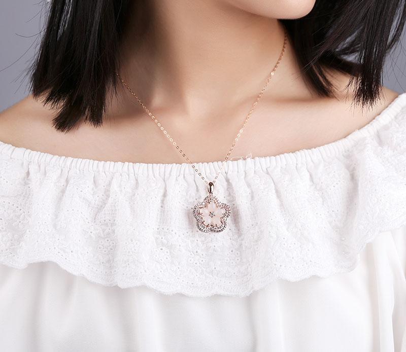 Pendentif incrustée d'argent de jade Hetian jade prune prune femme argent 925 or rose collier pendentif clavicule
