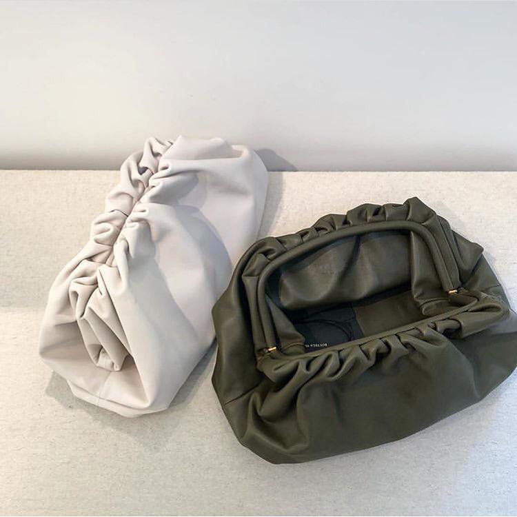 Tageskupplungs-Abend-Partei-Geldbeutel-Beutel-Frauen-große Big Rüschen besetzte Kissen-Beutel-Leder-Handtasche Sommer-Weiß Grün Kamel Taschen