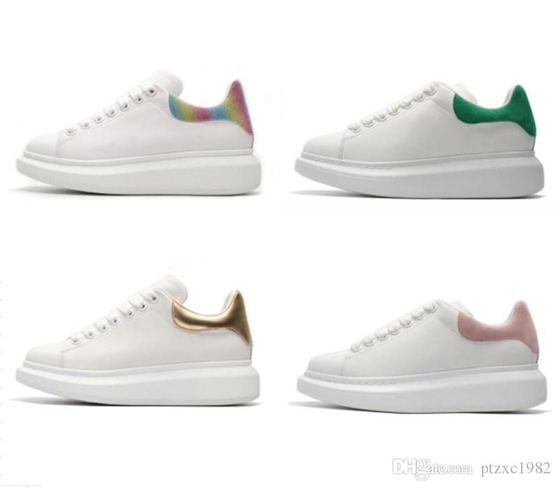حار بيع ألوان مختلفة أحذية عارضة أسود أبيض وردي الرياضة حذاء فاخر McQuee أعلى أحذية جلدية الصلبة حذاء حذاء رياضة المخملية Heelback