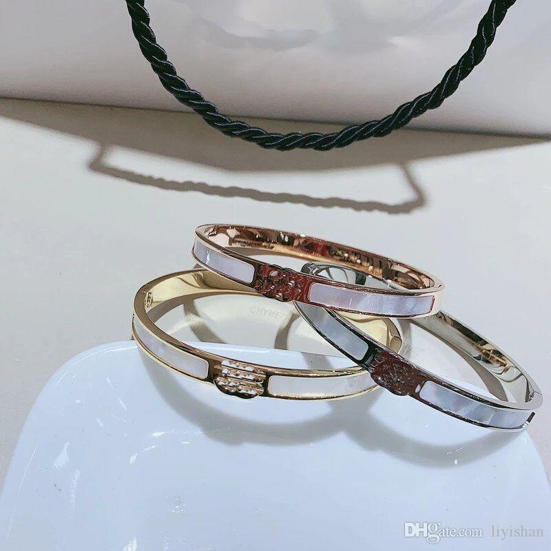 New Titanium steel natural shellfish letter C bracelet Classical European wrist strap Hand ornaments Bangle fashion accessories VIP GIFT 6*5