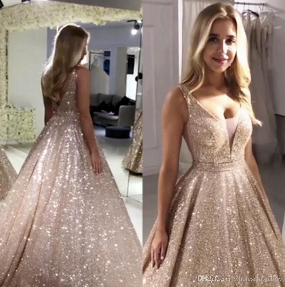 Wunderschöne Rose GoldSequined Abendkleider 2020 mit V-Ausschnitt Funkelnde Pailletten A-lineBackless Prom-Partei-Kleider Robe De Soiree BM0246