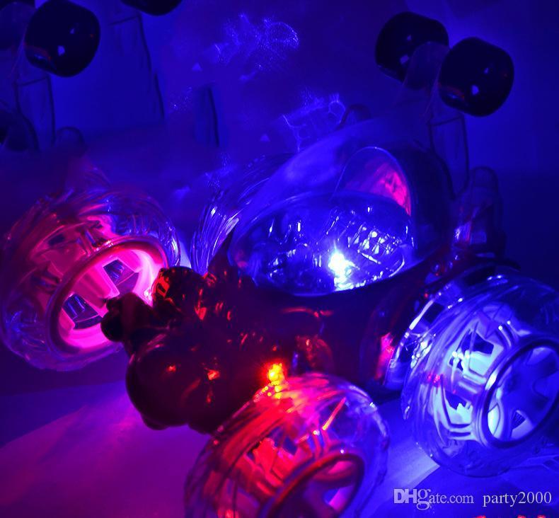 Lade drahtlose Fernbedienung Stunt dumper Kinderspielzeug 360-Grad-Wende Vier-Wege-Unterhaltungsmusik elektrische Fernbedienung Auto Q31