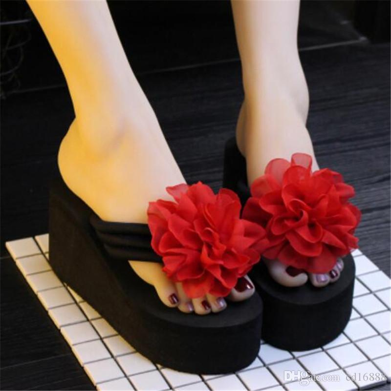 Gros et de détail de nouvelles chaussures de mode Fleurs femmes sandales d'été pantoufles chaussures plate-forme de chausson de coins de femmes 8cm talons hauts de tongs