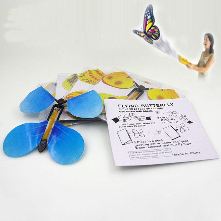 Stock papillon magique papillon volant changer avec les mains vides la liberté papillon accessoires de magie tours de magie avec de nouvelles