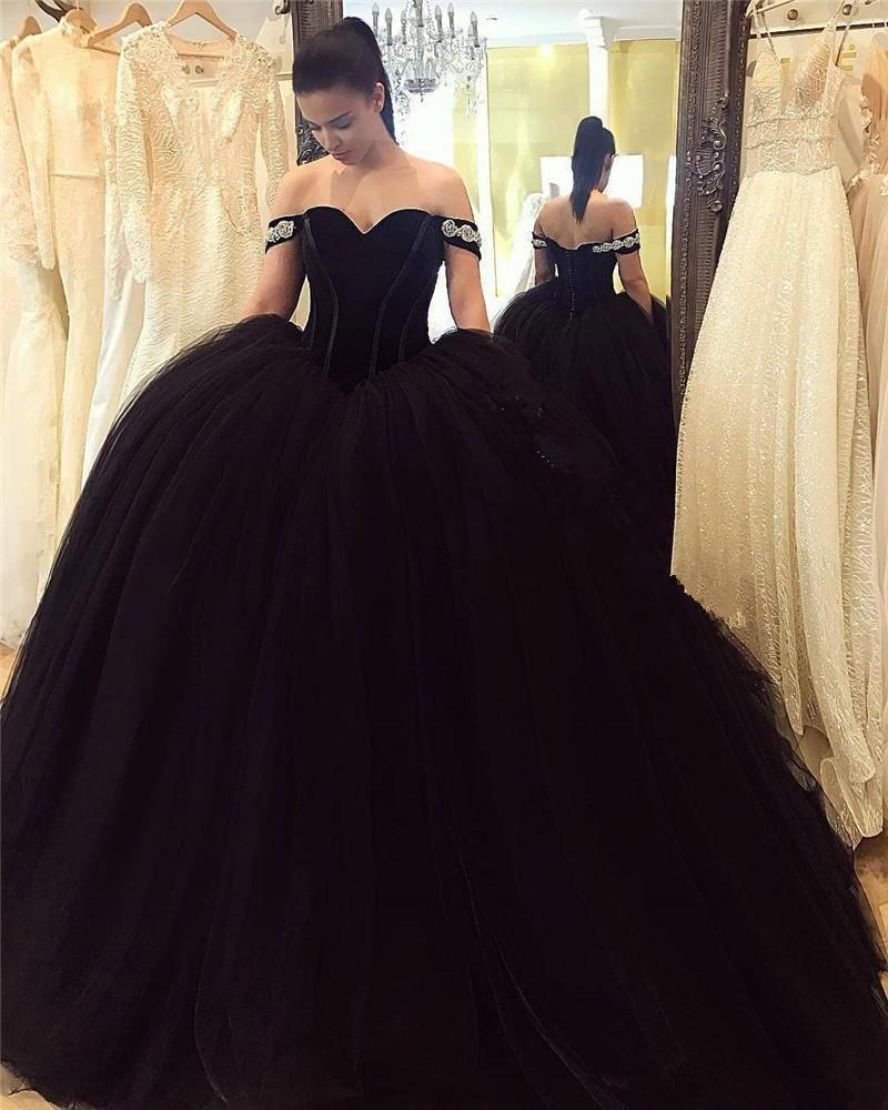 Gothic Black Ball Gown Abiti da sera Arabo 2020 Velvet Plus Size Pulbe Tulle Principessa Masquerade Engagement Prom Party Gowns