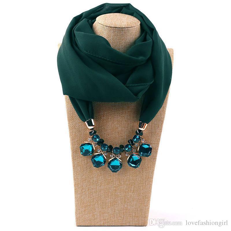 Bufanda vintage para mujer Estilo Europeo y Americano Wrap Fashion Lady Multicolor Rhinestone Beads Llanura Gasa Aleación Colgante Bufandas LSF084