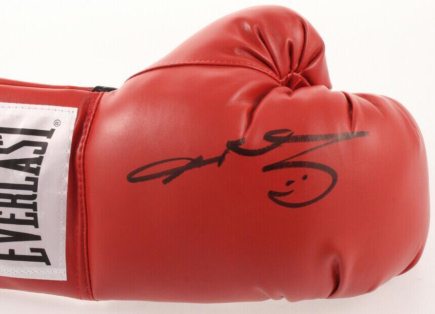 Sugar Ray Leonard kırmızı boks eldiveni imzalı imzalı
