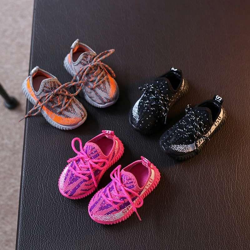 Babyschuhe Kind zu Fuß Kleinkinder Turnschuhe schwarzen Jungen Fußball strecken vamp + Gummikindkleid billig Schuh Babysommerschuhe eu 21-30