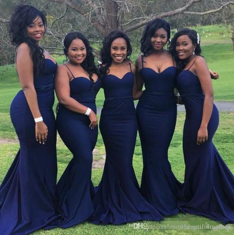 Robes de demoiselle d'honneur bleu marine sexy pour le parti de mariage Bretelles pas chères avec col chérie, plus la taille des robes formelles pour les filles noires africaines