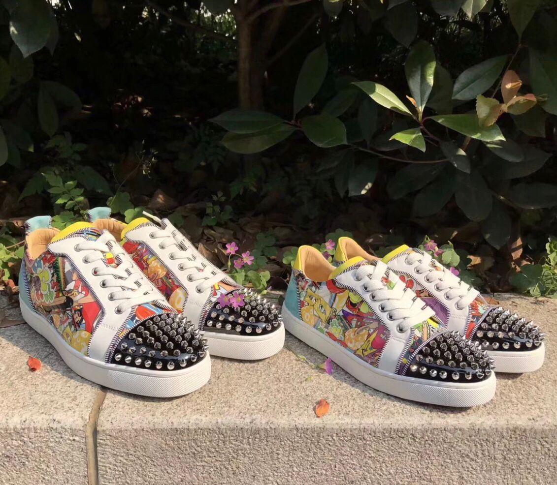 Cheap Originals Graffiti Patent Leather Junior Spikes Men Red Bottom Sneakers Luxurious-brand Super Loubi Print Casual Walking Free Shipping