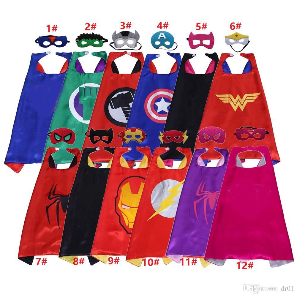 (12 개) 스타일은 슈퍼 히어로 케이프을 양면 70 개 * 70CM 아이들이 어린이를위한 케이프 펠트 마스크 새틴 슈퍼 히어로 코스프레 의상 할로윈 휴일 설정 및 마스크