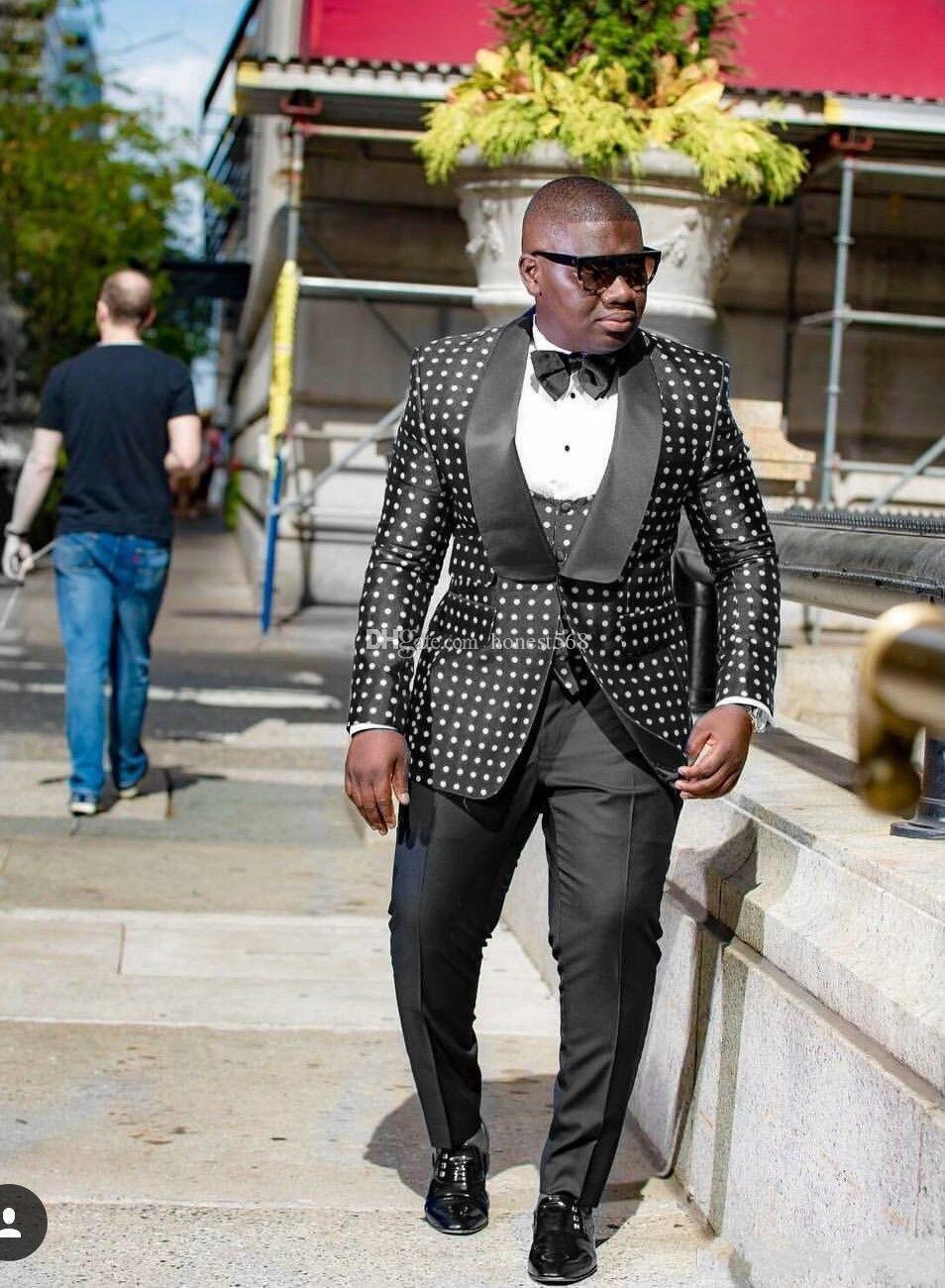 Guapos con un botón Padrinos de boda Mantel de solapa Novios Tocados para hombres Boda / Baile de graduación / Cena Best Man Blazer (chaqueta + pantalones + corbata + chaleco) A385