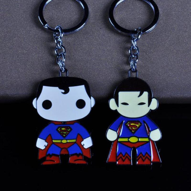 10 pçs / lote Moda Jóias Keychians Dos Desenhos Animados Os Vingadores Bonito Superman Clark Kent Anel Chave Fãs Carro De Dezembro Para As Crianças Do Presente Do Partido