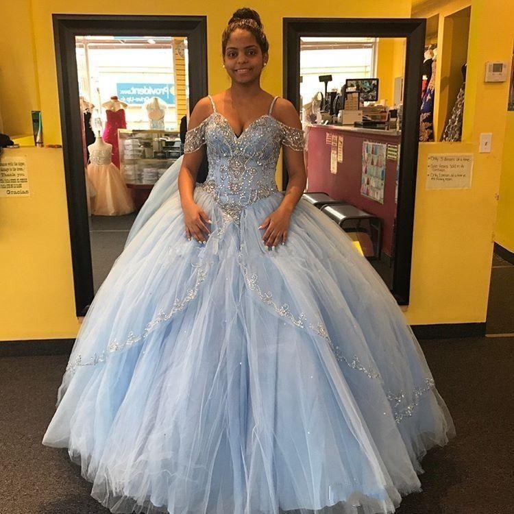 Light Sky Blue Ballkleid Quinceanera Kleider Flügelärmel Spaghetti Perlen Kristall Prinzessin Prom Partykleider Für Sweet 16 Girls