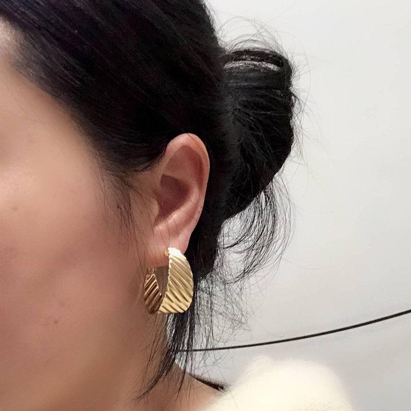 Screw Back Clip on Earring Clip for No Piercing Dangle Shell Round Tassel Gold-tone for Girl