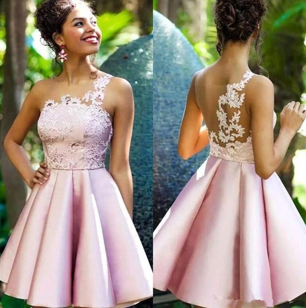 Vestidos de fiesta de color rosa Vestidos de fiesta 2019 Apliques de encaje con pliegues cortos Vestidos de fiesta Sheer Top Satin A Line Vestidos de fiesta Vestidos de graduación de princesa