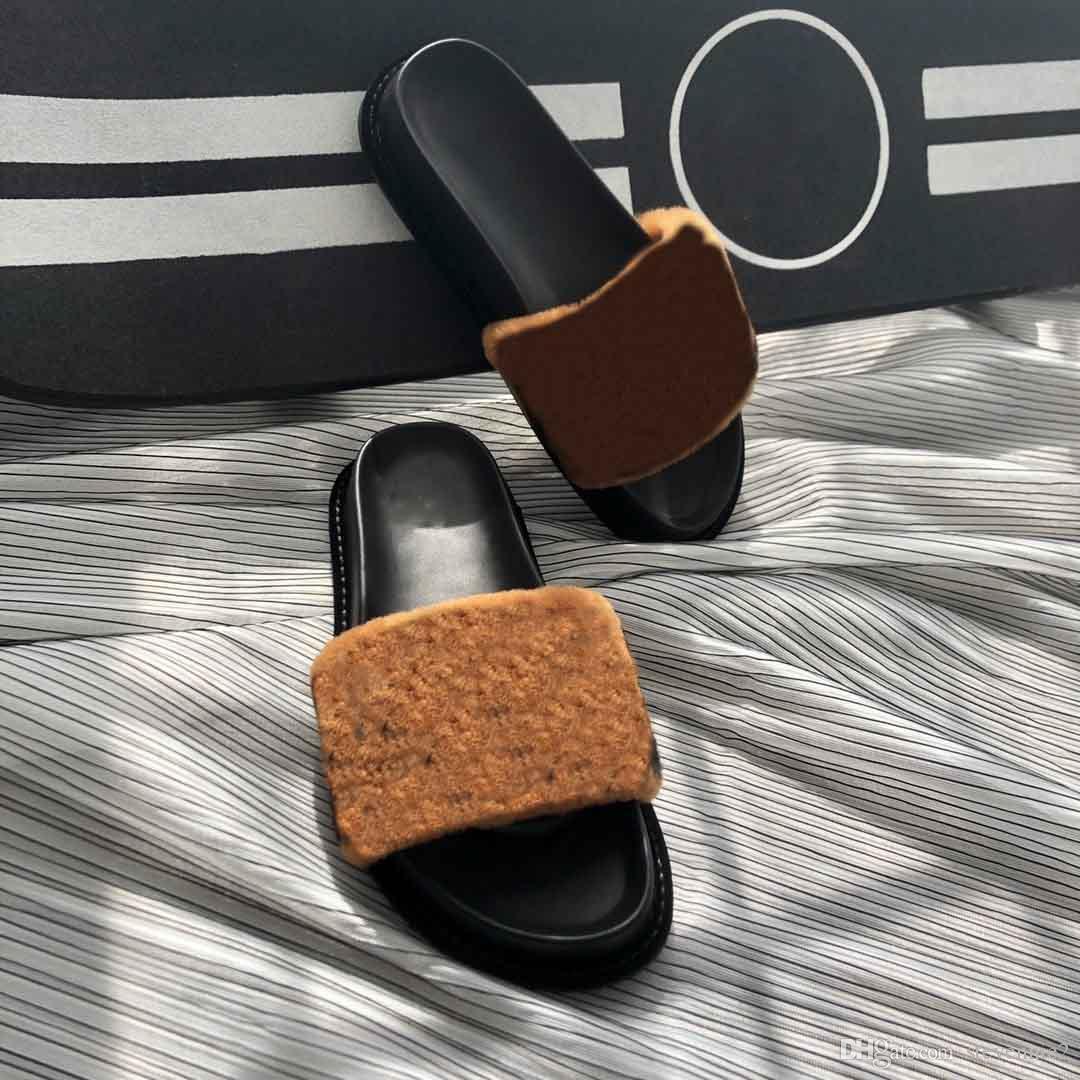 Nouveau style pantoufles en peluche femmes, pantoufles de créateurs de mode, du luxe pantoufles plat, pantoufles de marque de bonne qualité