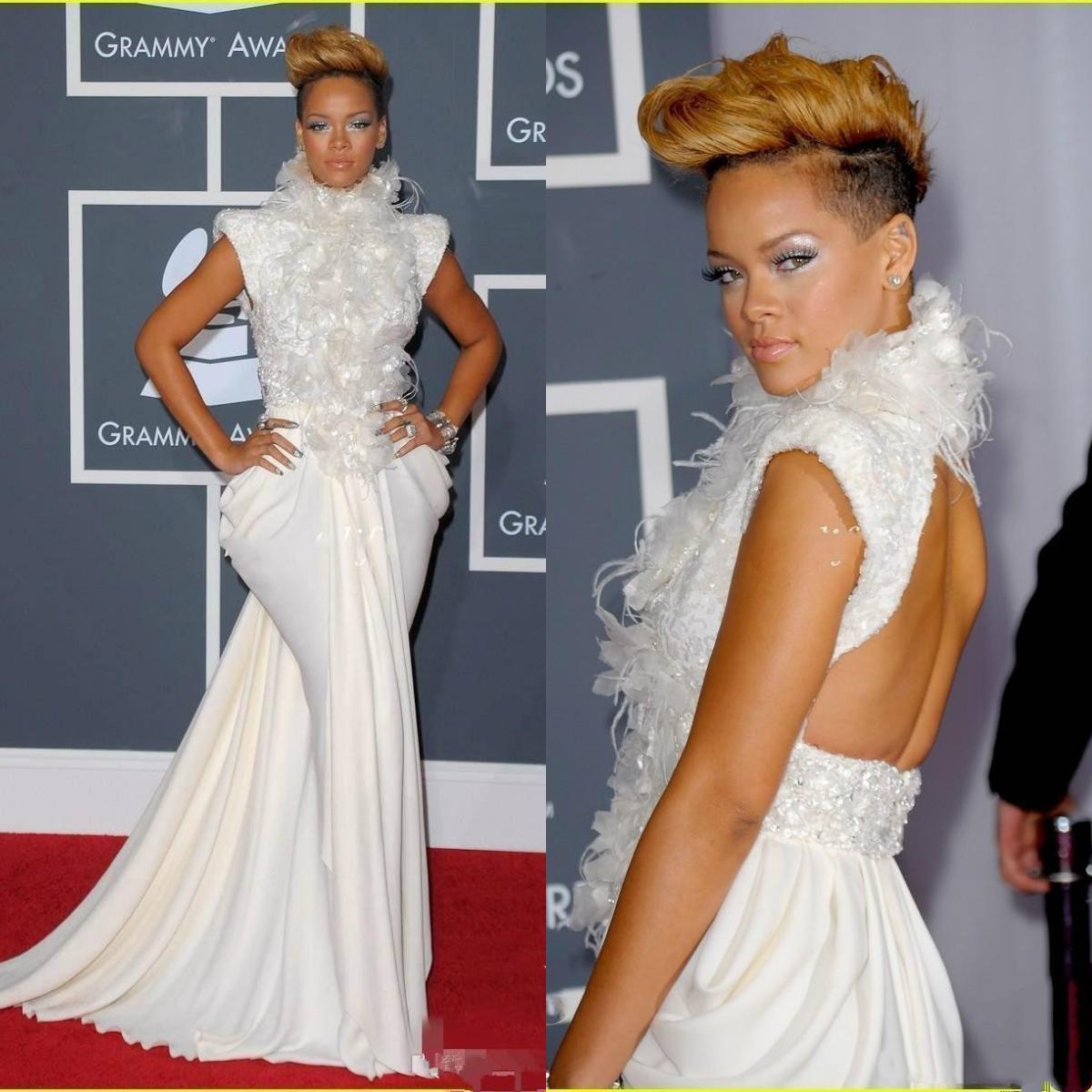2020 Plume de luxe Robes de célébrités de célébrités de célébrités à crampon à crampons à manches longues Perles de dentelle de la dentelle africaine ...