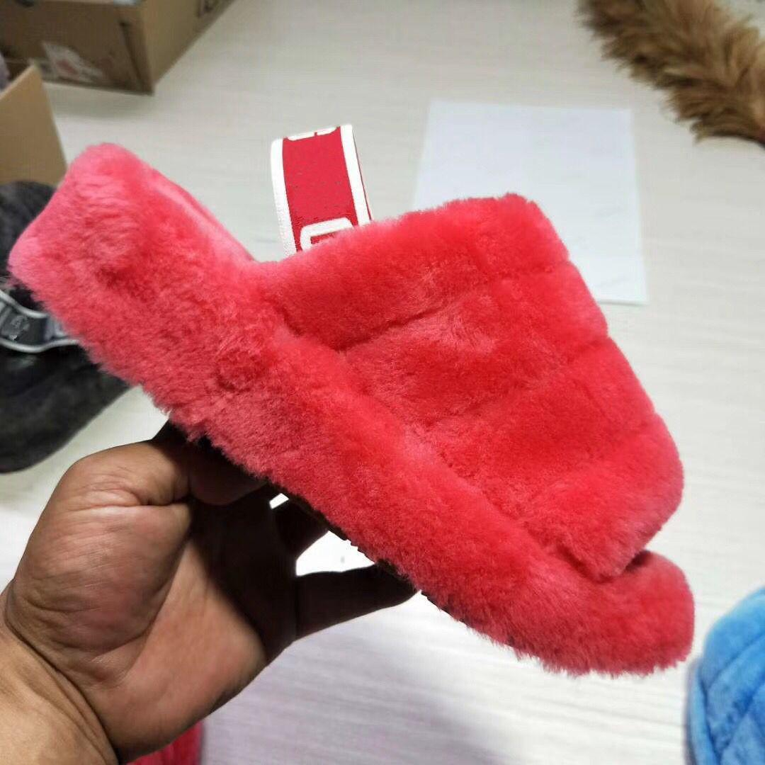 Vendita calda-2019 scarpe reale della pelliccia di Fox pantofole Slides Furry Fuffly Pantofola Infradito Sandali trascinate i cursori sandalo scarpe estive donne gpz19070302
