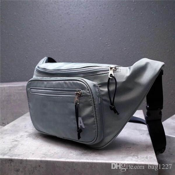 Pacchetto Deluxe classico di spedizione gratuita classico Tasche in pelle di vacchetta di pelle La borsa di alta qualità 669188 dimensioni 17 cm 5 cm 35 cm