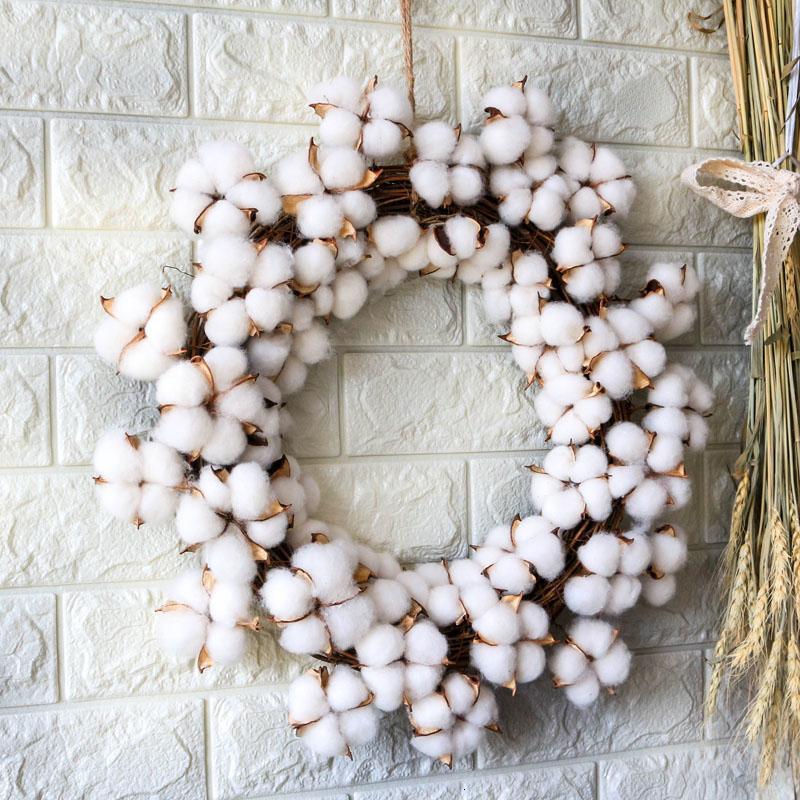 Compre D19 Coroa De Natal Real Cotton Dry Flowers Wreath Partido Decoração Do Casamento Festival Handmade Rattan Coroas Decor Home Decor T191116 De Mingjing01 114 16 Pt Dhgate Com