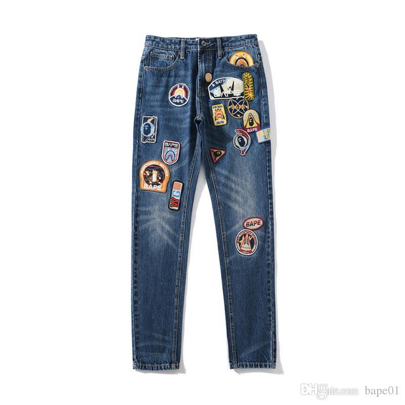 بابي جديد نمط رجل المتعثرة زيبر جينز حلاق رجالي شارة مطرز سراويل الرجال المصمم الهيب هوب سروال جينز