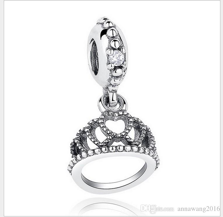 charm pandora queen