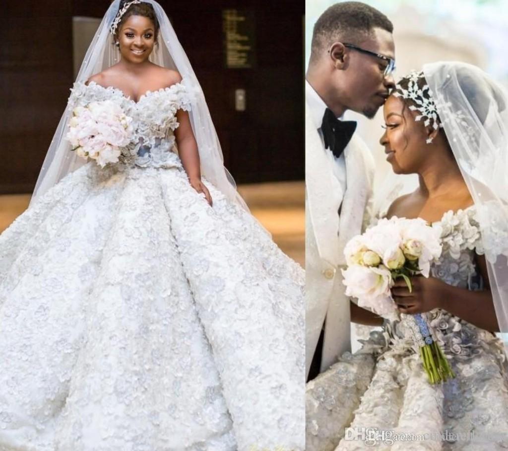 De lujo más el tamaño de vestidos de boda largo del vestido de novia de encaje encima de las flores de encaje hecho a mano africano 3D del cordón de la playa vestido de novia Volver hombro