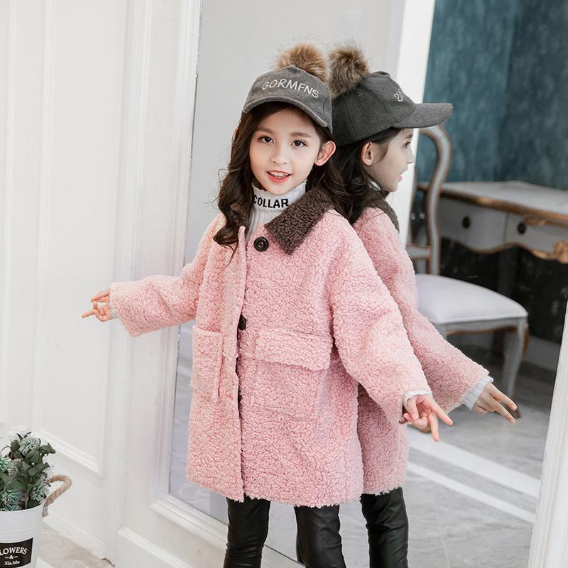Children's wear 2019 winter new girls big children Korean version of the warm thickening long paragraph lamb hair coat tide