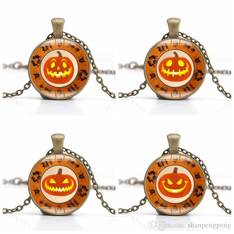 New Halloween Pumpkin Light Glass Alloy Pendant Necklace Vintage Witch Time Gemstone Necklace Professional Wholesale Holiday Jewelry