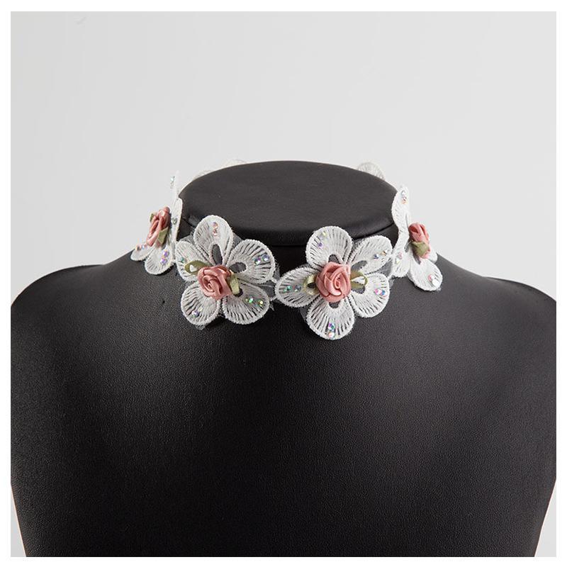 Collier ras du cou en dentelle blanche fleur collier de cou Bague Femme Clavicule Europe et Amérique Bride Accessoires