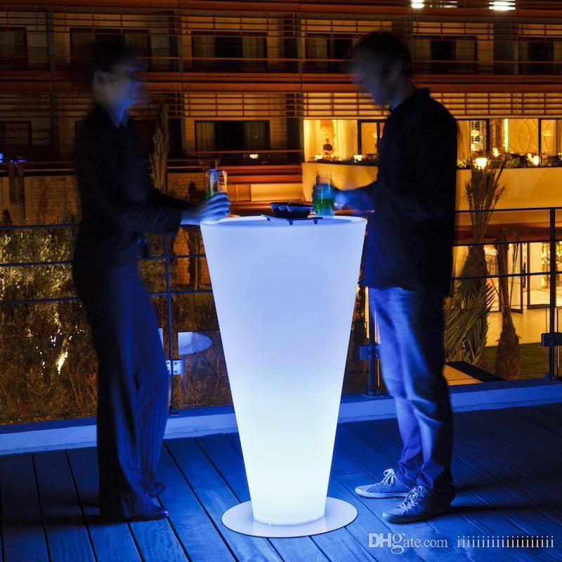 Высота 110 см Водонепроницаемая беспроводная светодиодная освещенная вертикальная мебель RGB Cocktail Bar аккумуляторная крытая / открытый сад усадьба