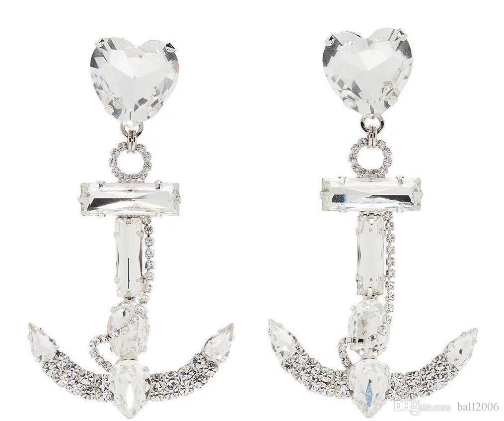 Alexandra Rich Designer Advanced boucles d'oreilles et clips d'oreilles sur mesure pour l'ancre du navire Ma'am Rhinestone