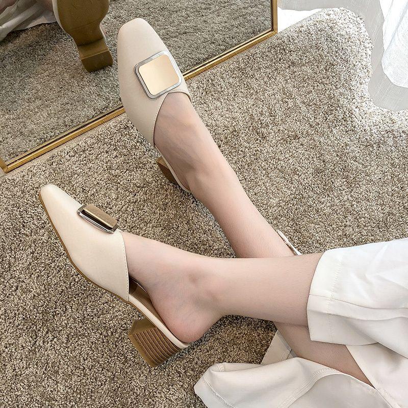 Sexy Ladies Chaussures New Métal Boucle Femme Chaussons Chaussures femme Mules Couverture bout carré Talons mi cuir solide Slides Casual