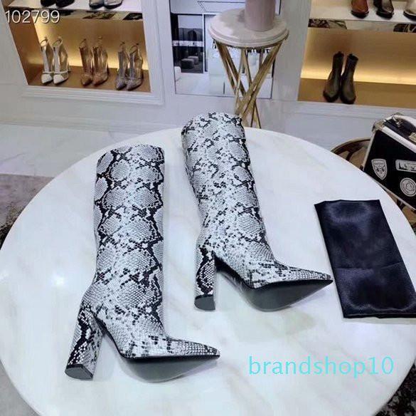 Hot Vente- motif serpent personnalité peau de vache bottes de mode partie pointe du podium montrent talon haut épais avec chaussures pour femmes 35-40