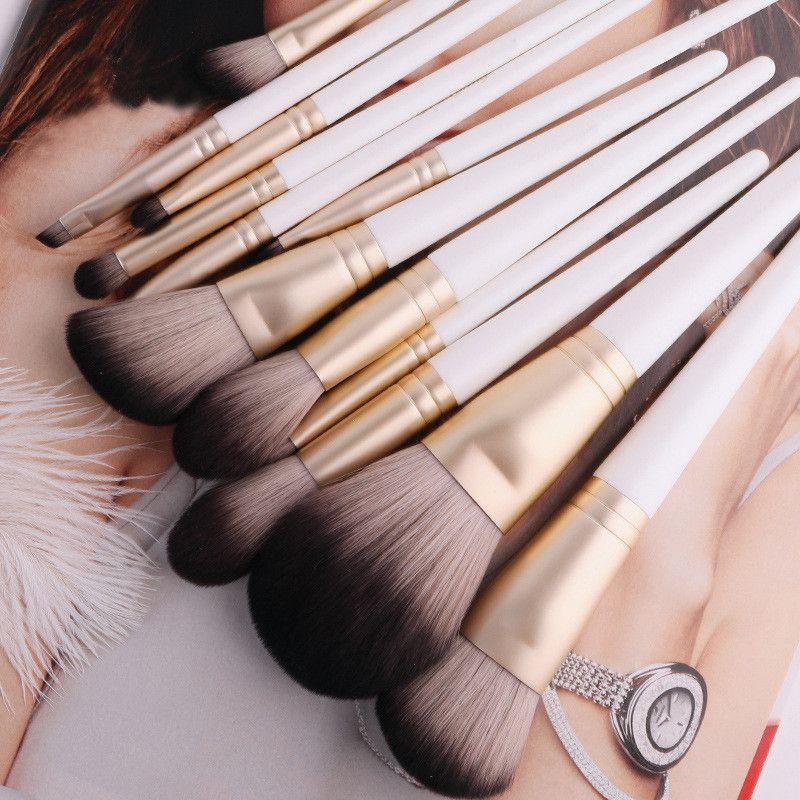 Professional Makeup brush set 12pcs Super Soft Make Up Brushes Tools Loose Powder Highlighter Foundation Eyeshadow Concealer Lip Brush