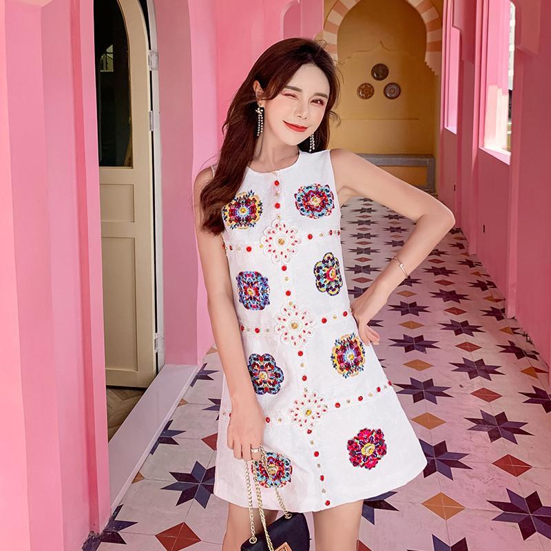 Partido Apliques de lujo Crystal rebordear pista personalizada verano jacquard vestido de las mujeres sin mangas cortas vestido vestido de mujer