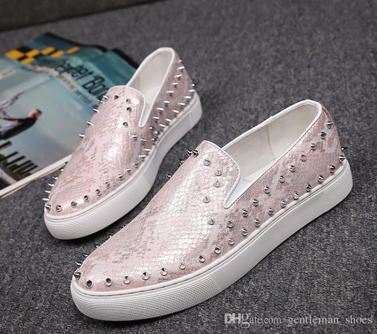 2019 NOVO Men Moda Casual Shoes Gold Glitter Lazer mocassim Rebites Loafers sapatos de festa Homem Weeding Dress Shoes 38-44