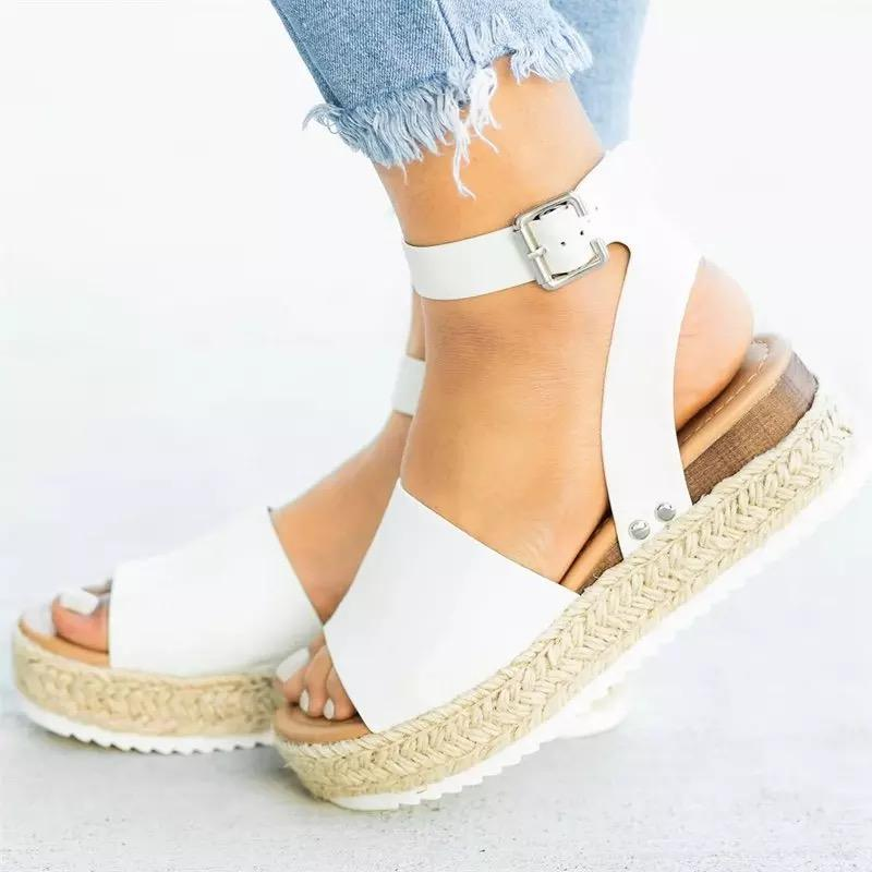 2020 Livraison gratuite Escarpin Sandales d'été Chaussures Femme Chaussures sandale de plage Sandales plate-forme