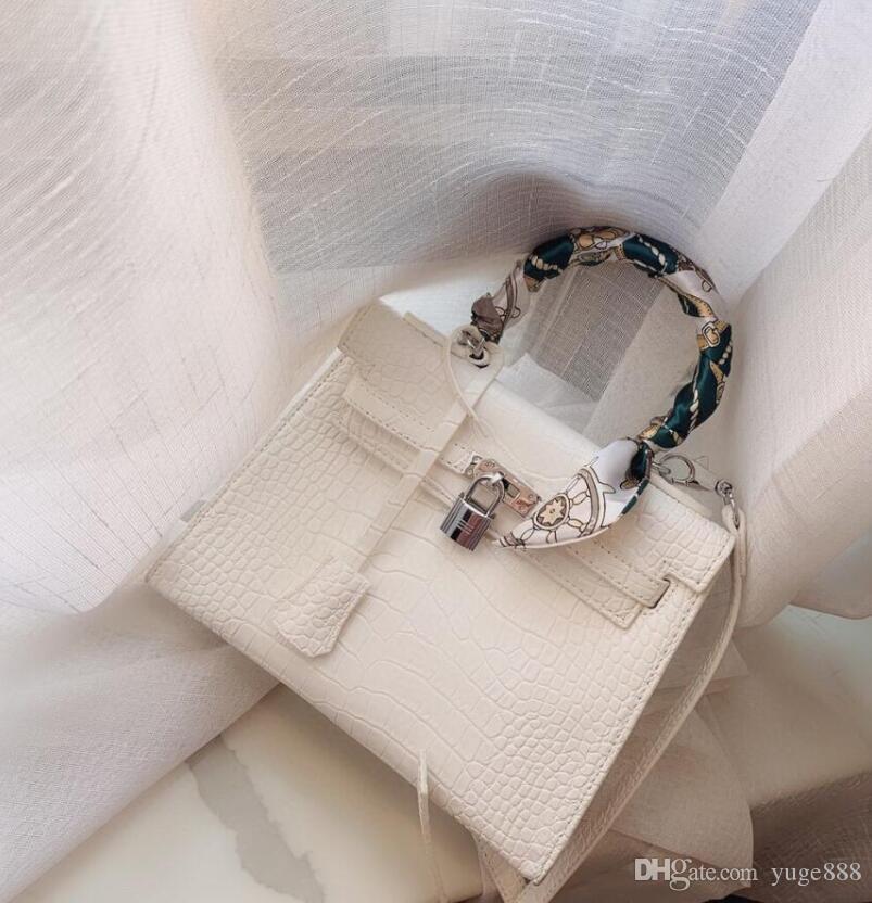 Heiße verkaufende hohe Qualität Die neueste Männer und Frauen Schultertasche Messenger Bag Schulter tragbare Brieftasche Rucksack freies Porto 95072