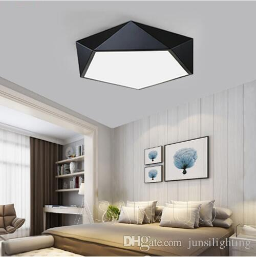 초박막 현대 LED 천장은 거실 철 검정, 흰색 오각형 천장 램프를 식사 간단한 홈 데코기구 침실 조명