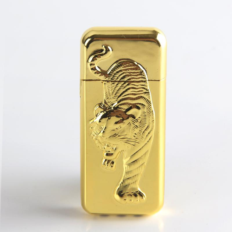 새로운 스타일의 부탄 가스는 저렴한 슬림 양각 호랑이 금속 담배 라이터 라이터