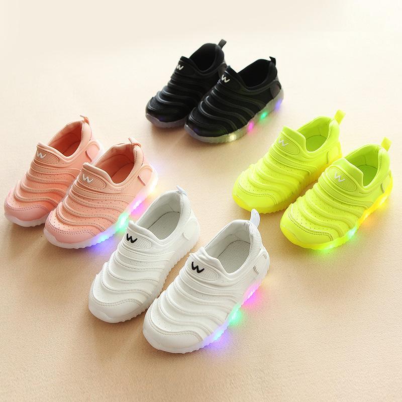 2021 светодиодные светлые повседневные кроссовки девушки спортивные туфли девочка дышащая нескользящая детская обувь оптом