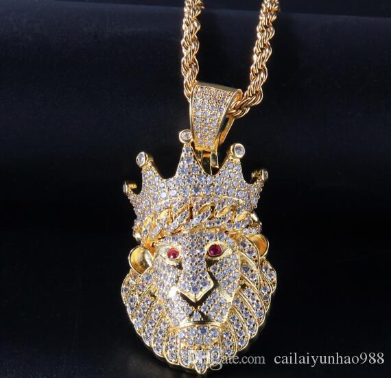 Cabeza de león con corona Collar Colgante Chapado en Oro 18K