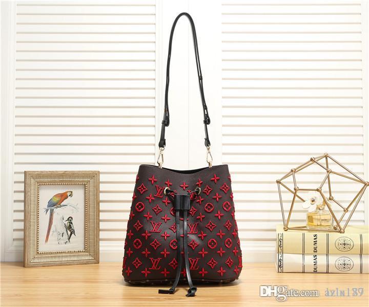 2020 15ckiuHot Vendre nouveau style femmes Messenger Bag sacs Fourre-Tout Sac Lady Composite Sacs à main d'épaule de Pures 128